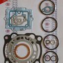 Pochette de joints haut moteur pour la Kawasaki 250 KX de 2001 a 2003.Merci de cliquer sur l'image pour les détails.