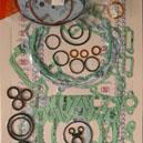 Pochette de joints complete pour la KTM 200 SX / MXC / EXC de 1998 a 2003.Merci de cliquer sur l'image pour les détails.